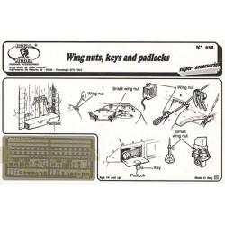 Wing nuts, keys and padlock (1/35)