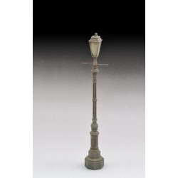 Antique street lamp (1/35)