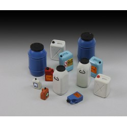 Plastic chemical/water containers & bottles (1/35)