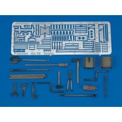 Pz. III-IV Tools & Holders - WWII (1/35)