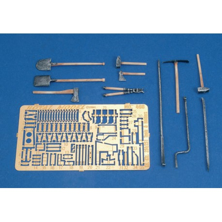 SD. Kfz. 250/251 Tool & Holder Set-WWII (1/35)