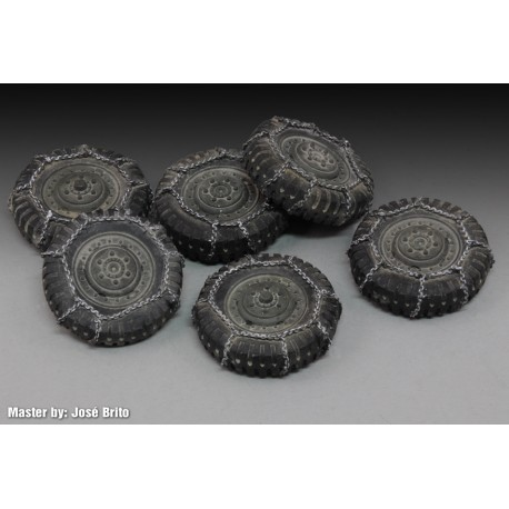 """Chained wheels """"M8/M20"""" (1/35)"""