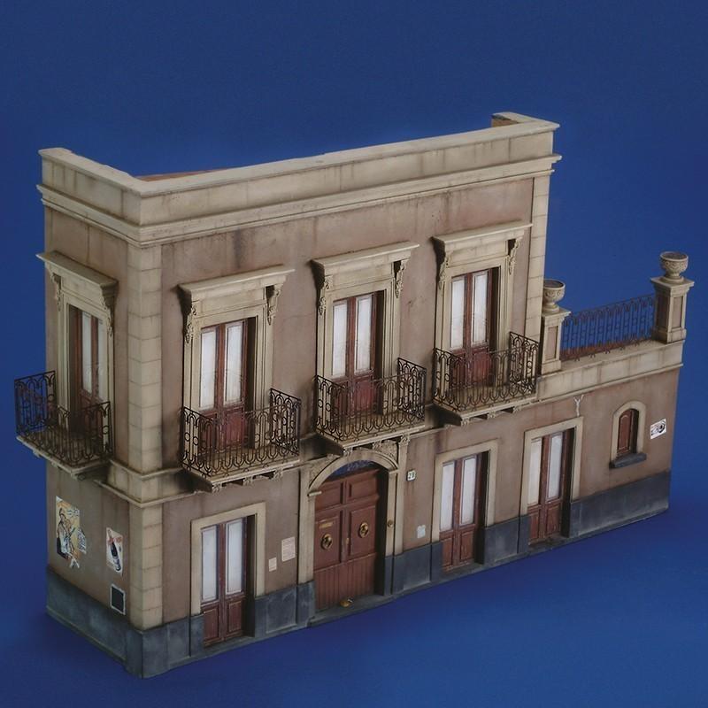 Sicilian House Ruin  (1/35 Scale)