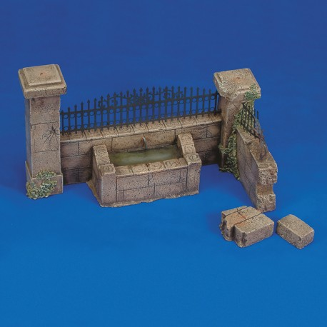 Wall with fountain (1/35 Scale)