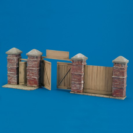East European Wall Section (1/35 Scale)