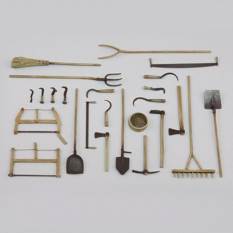 Assorted farm tools (1/35)