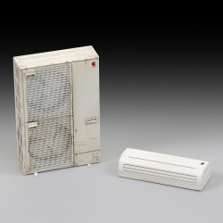 Double air conditioning unit (1/35)