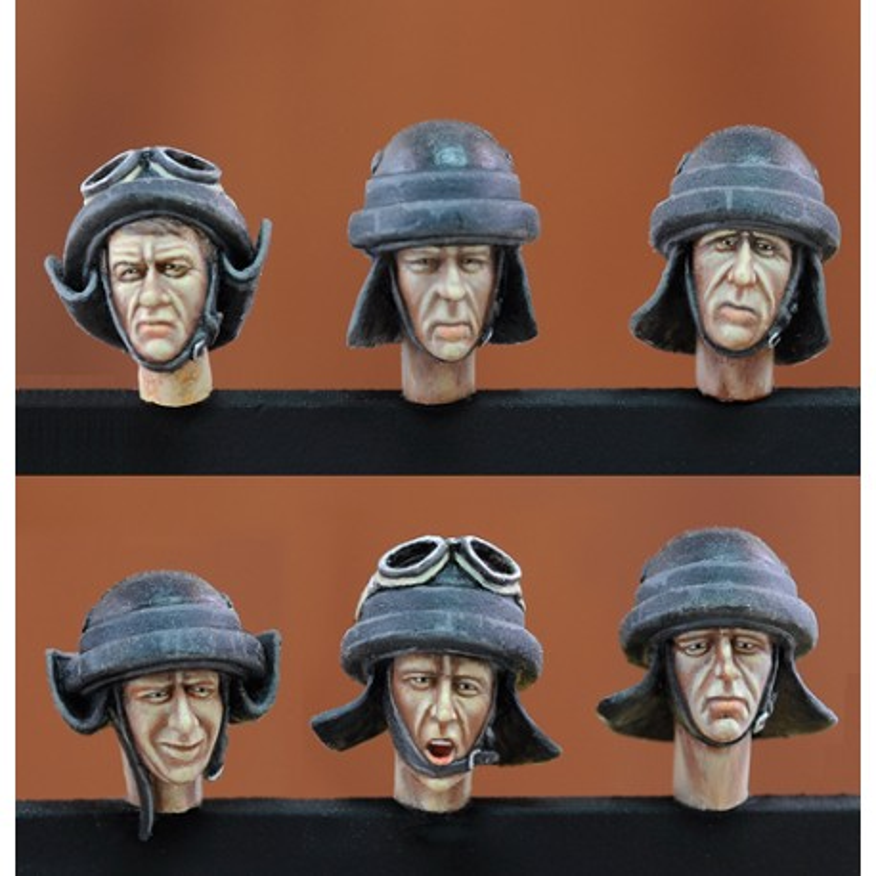 Italian tankers heads - WWII (1/35)