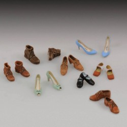 Assorted shoes  (1/35)