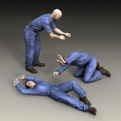 Mechanics - 3 figures (1/48 scale)