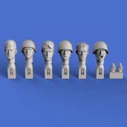 Italian heads WWII (No.2)  (1/35 scale)