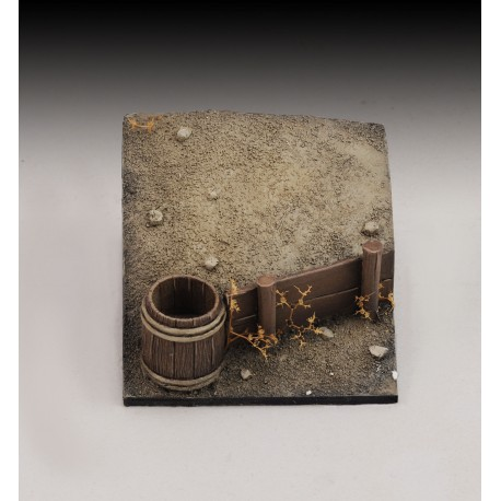 Base with bucket and wooden wall (1/35-1/32 scale)