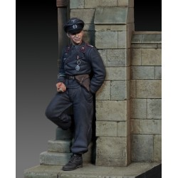 German tanker leaning against the wall - WWII  (1/35 scale)