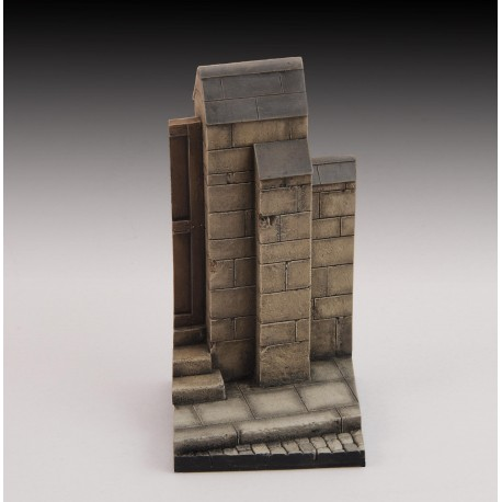 Base with wall and road (1/35-1/32 scale)