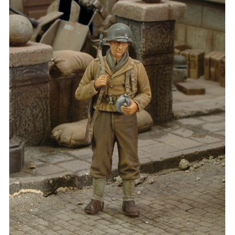 U.S. infantry rifleman with canteen - WWII (1/35)