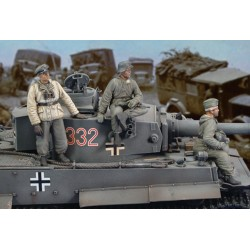 "German crew Tiger I ""Eastern Front""  WWII (1/35)"