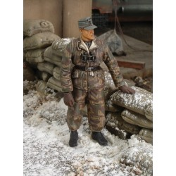 German tanker in winter dress - WWII (1/35)