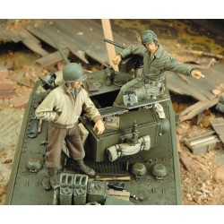 M3A3 Stuart Crew - WWII  (1/35)