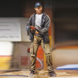 "Man with Gun ""Zombie hunter"" (1/35)"