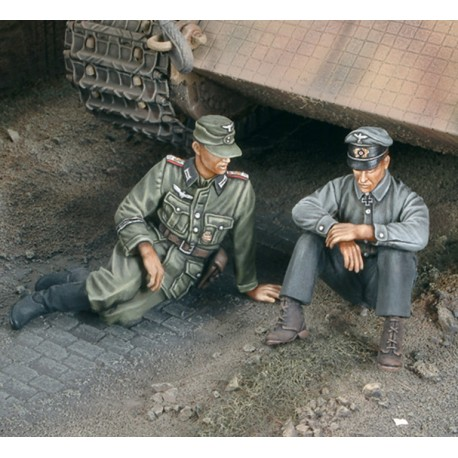 """""""A moment of rest"""" Tank German crew - WWII (1/35)"""