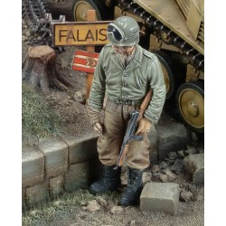 US tanker with Thompson sub machine gun - WWII (1/35)