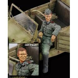 Kubelwagen driver - WWII (1/35)