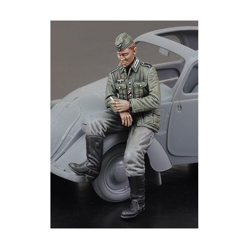Citroen German Driver - WWII (1/35)